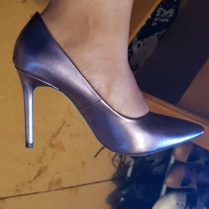 6050ee81d6e Zara Metallic Purple Heels